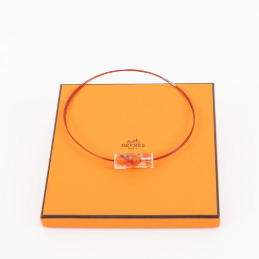 Collar y colgante Grand Fond de color naranja