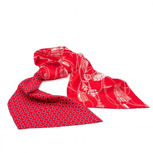 Echarpe en soie rouge