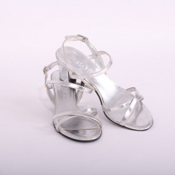 Sandalias plateadas con tacón talla 36