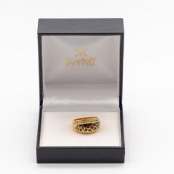 Anillo en oro amarillo de 18 k con 24 diamantes y esmalte.